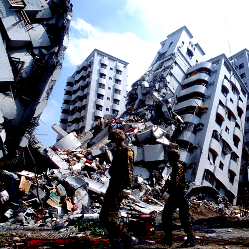 Nuevas tecnologías, sistemas de prevención y solución de refuerzo estructural a daños ocasionados por sismos en edificios históricos de mampostería